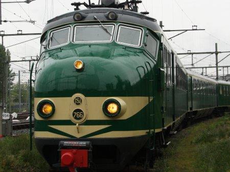 Ome Joop's Tour 2018 met nostalgische NS trein van Groningen naar Den Bosch