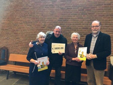 Opstandingskerk doneert € 3.800,- aan Ome Joop's Tour