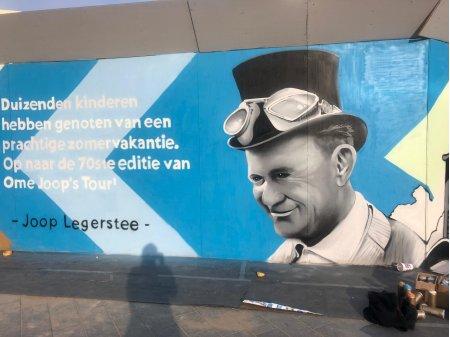Kunstwand stationsplein Arnhem met Ome Joop Legerstee gereed